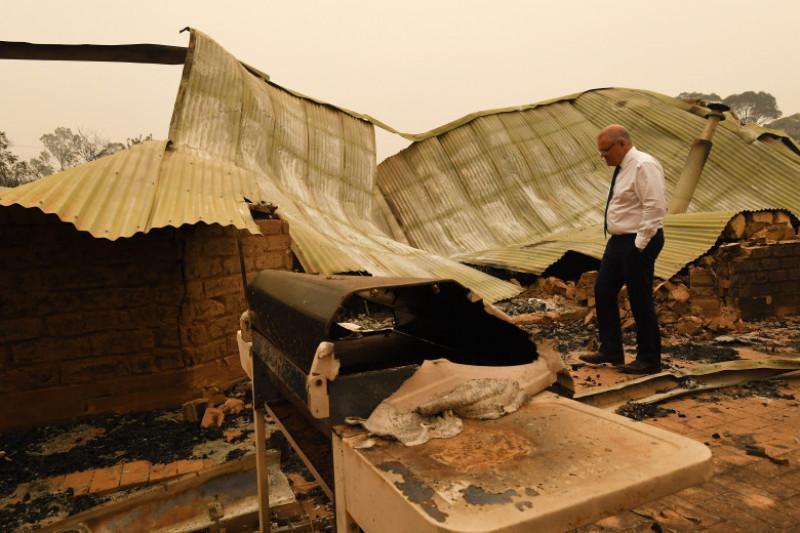premierul Australiei vizită zone calamitate de incendii