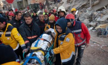 Cutremurul din Turcia, durere surprinsă în imagini. Eforturile supraomeneşti ale salvatorilor