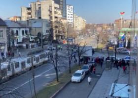 NEWS ALERT. Alertă în centrul Capitalei. Au intervenit trupele antitero. VIDEO