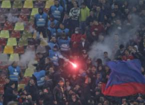 Dinamo-FCSB, 2-1. Incidente între suporteri la derby și momente de panică pe teren