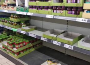 Teama de coronavirus a dus românii în supermarketuri. Reprezentant: Se cumpără ca de sărbători