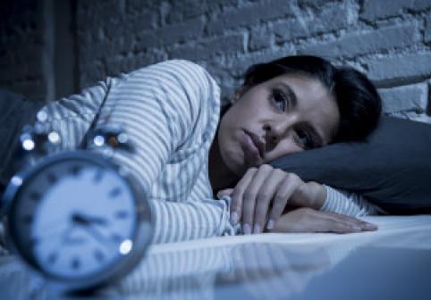 """Metoda """"4-7-8"""", care garantează că alungă insomnia în 60 de secunde"""