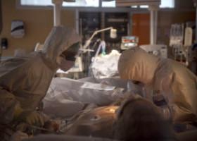 Mărturia unei paciente cu COVID, internate la ATI: Am fost rău de tot, nu mă gândeam că mai scap