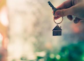 Zeci de oameni au fost păcăliți să plătească 1.138.000 de euro pentru același apartament
