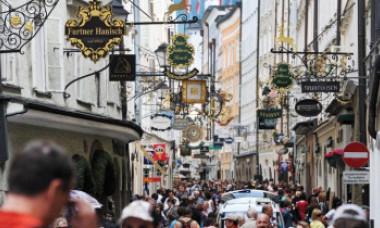 Prima ţară europeană care ia în calcul să ridice restricţiile impuse de pandemie. Decizia va fi anunțată luni