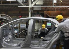 Primul constructor auto care a repornit producția în Europa