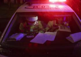 Situație ridicolă. Un poliţist a fost sancţionat de colegul său, pe care îl chemase în ajutor