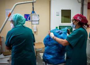 Camera Deputaţilor a extins lista celor care vor primistimulent de risc de infectare cu COVID, în valoare de 2.500 de lei