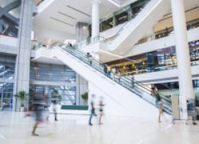 Ministrul Economiei anunță când s-ar putea deschide mall-urile: Sunt convins că evaluarea va fi pozitivă