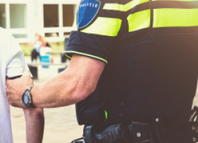 Ce a pățit un muncitor român din Olanda după ce s-a plâns că a fost cazat într-o casă cu prea mulți locatari