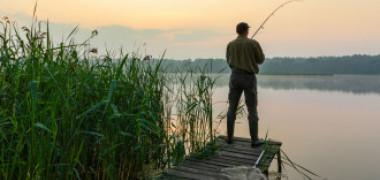 Cazuri bizare, în același județ. Patru bărbați au murit la pescuit în incidente separate