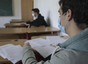 Bacalaureat 2020, sesiunea specială. Absolvenții de liceu susțin joi proba scrisă la Limba şi literatura maternă