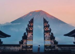 Bali își redeschide frontierele, dar doar pentru o numită categorie de turiști