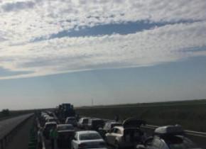 Accident cu trei mașini pe Autostrada Soarelui. Circulația este oprită în condițiile în care erau deja blocaje și se circula în coloană