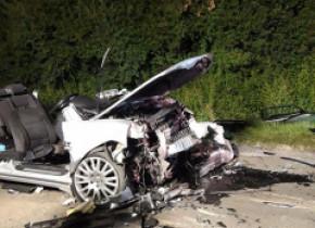 Un tânăr de 22 de ani aflat într-o maşină cu volan pe dreapta a provocat un accident soldat cu patru morți și patru răniți grav