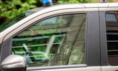 """""""Rambo"""" din Germania a reușit să dezarmeze 4 polițiști într-o pădure cu un pistol și un arc cu săgeți"""