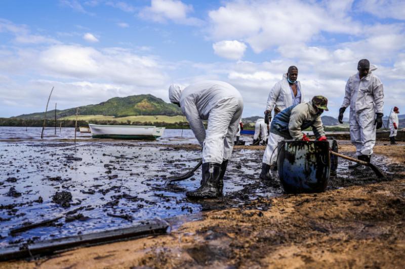 petrolier esuat mauritius