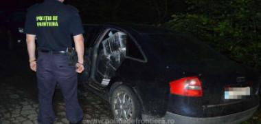 Poliția de Frontieră a găsit un Audi abandonat pe marginea drumului. Ce era în mașină