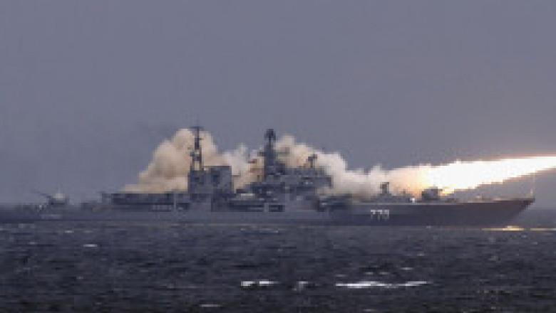 Marina rusă a efectuate exerciții militare în care a simulat lovirea unor ținte în Marea Neagră