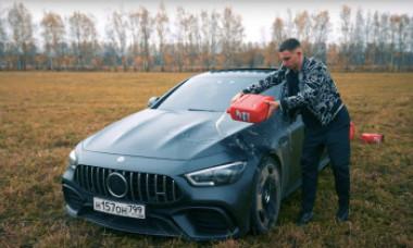 VIDEO. Momentul în care un vlogger și-a dat foc la mașina de 150.000 de euro. Cum și-a motivat gestul