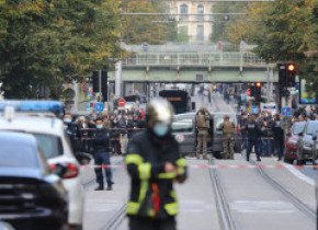 """Declarația liderilor europeni după atacurile din Franța: """"Cerem liderilor întregii lumi să lucreze pentru dialog, nu pentru divizare"""""""