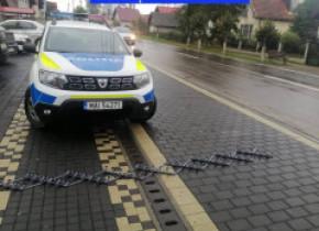 Benzi cu țepi pentru prinderea șoferilor fugari. Poliția le-a testat deja într-o urmărire ca-n filme în Suceava