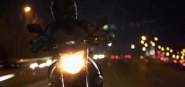 VIDEO. Motociclist român vitezoman, urmărit de poliția londoneză cu elicopterul. Tânărul a accelerat până la 290 km/h