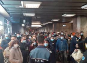 Arafat dă vina pe firma de pază pentru aglomerația de la metrou: Oamenii trebuiau împiedicați să mai intre pe peron