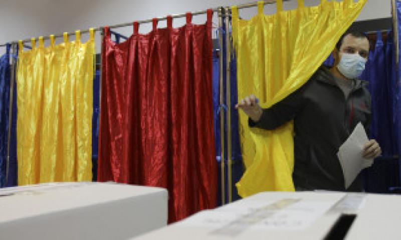 Cine câștigă alegerile? Experții se așteaptă la cea mai mică prezență la vot din istoria României