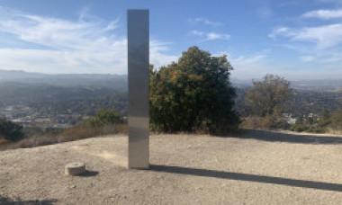 Un nou monolit misterios a apărut în Statele Unite, după dispariția celui din județul Neamț