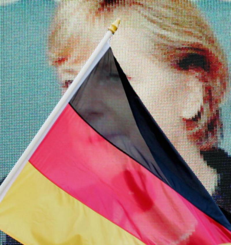 Merkel Campaigns In Hamburg