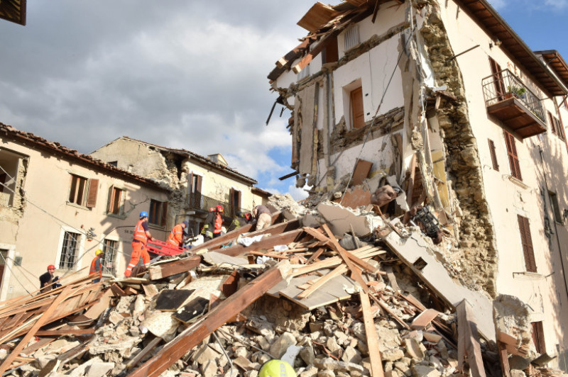 Magnitude 6.2 Earthquake In Central Italy Kill At Least 13
