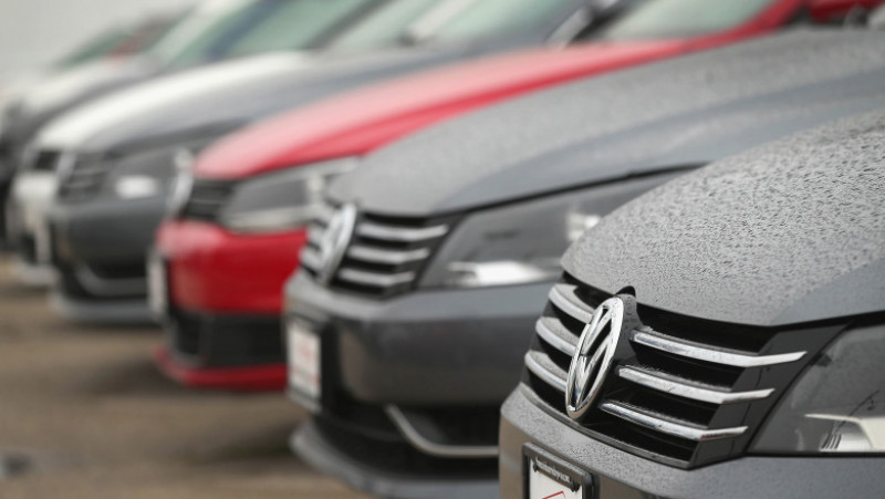 U.S. Government Orders Volkswagen To Recall 500,000 Vehicles Over Emissions Software