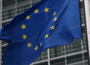 Uniunea Europeană: Acord al Celor 27 asupra unui vast plan de susţinere în valoare de 500 de miliarde de euro