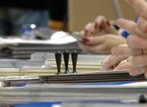 Voturile nule din toate cele 85 de secții de votare din Botoșani vor fi renumărate. Solicitarea a fost făcută de candidatul PNL