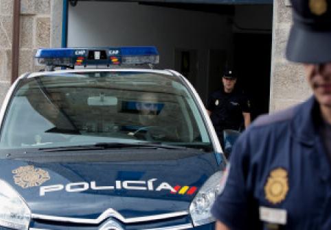 Româncă judecată în Spania pentru că și-a vândut cu 8.000 de euro fiica de 16 ani. Cum s-a apărat la proces