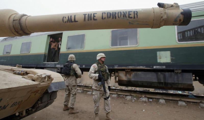 U.S. Soldiers Sweep Through Neighborhood Looking For Weapons In Baghdad