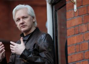 Julian Assange aude voci în închisoare şi are tendinţe de suicid, susţine psihiatrul care l-a examinat