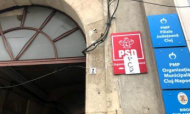 Sediul PSD Cluj, atacat cu cocktailuri Molotov. Ce au găsit, azi dimineață, reprezentanţii partidului în fața intrării