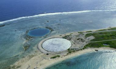 """Domul Runit, craterul radioactiv care ar putea contamina Oceanul Pacific. """"Toți îi spunem Bomba!"""""""
