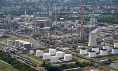 Explozie la o uzină chimică din Cehia | MAE: Trei români au murit