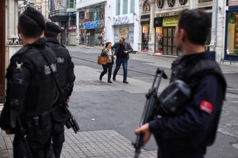 Bomb Explodes In Tourist Shopping Area Of Istanbul