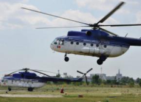 Un elicopter al MAI a intervenit pentru salvarea a 4 bebeluşi. Au fost aduși de la Suceava şi Botoşani, la București