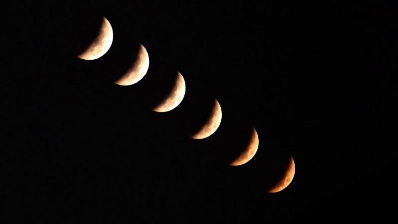 Total Lunar Eclipse Over South Korea