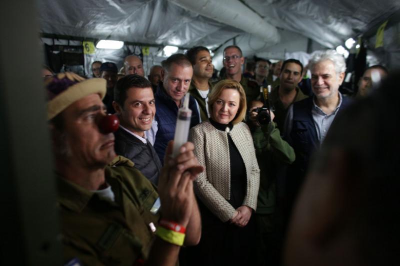 sesim ajutor israel militar clovn