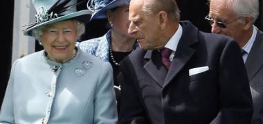 FOTO. Soțul Reginei Elisabeta a II-a, implicat într-un accident rutier