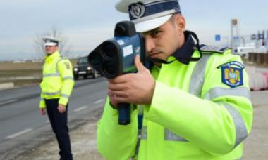 Ce sancțiune a primit șoferul unei ambulanțe care circula cu viteză de la Cluj la Galați. Viteza pe care au înregistrat-o polițiștii