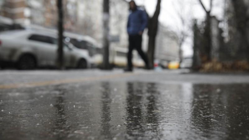 polei ploaie inghetata trotuar iarna 190125_POLEI_07_INQUAM_Photos_Octav_Ganea