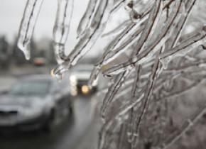 Avertizare de ninsori, vânt și polei în aproape toată țara
