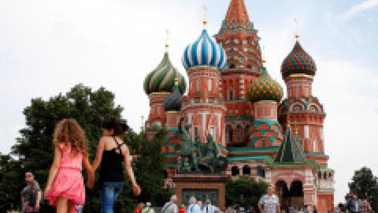 Moscova renunță la o măsură de protecție anti-Covid pe care cetățenii oricum o ignorau complet
